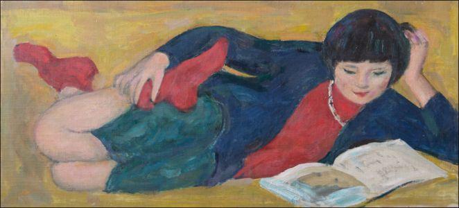 Flore Isorni  à la lecture